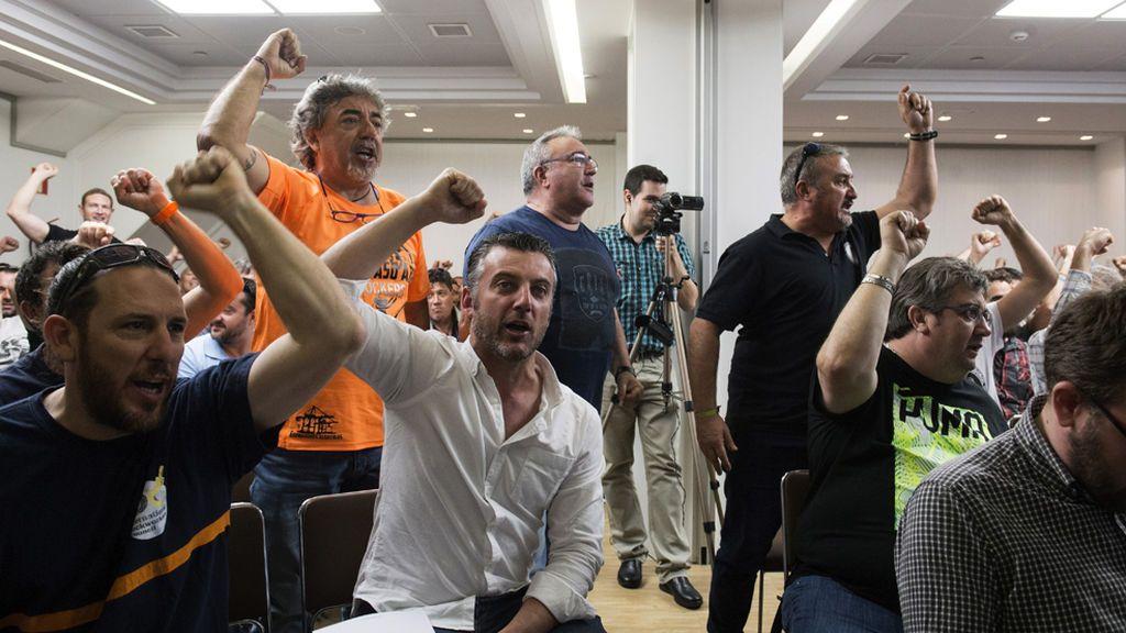 Los estibadores prevén cerrar el conflicto la próxima semana tras bajar su sueldo