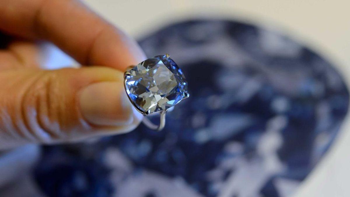 Lleva durante 30 años un anillo que le costó 10 libras pero que puede llegar a costar 350.000 libras