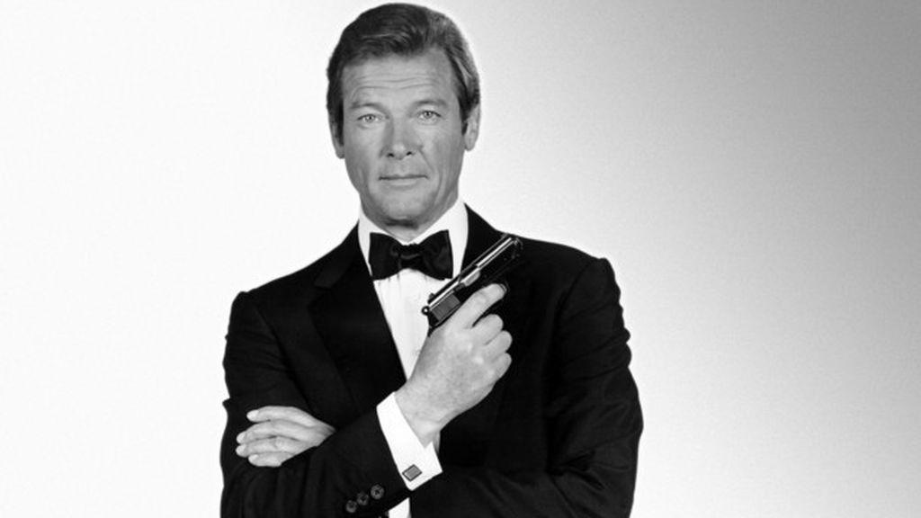 Roger Moore, el elegante James Bond que conquistó a la gran pantalla (23 de mayo)