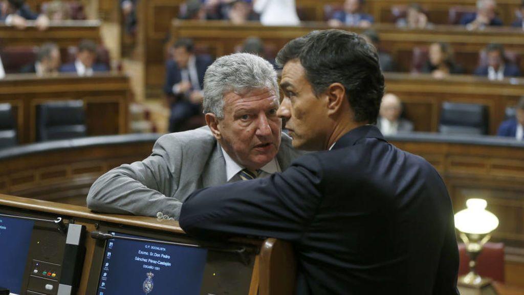 El nuevo PSOE de Sánchez busca torpedear el apoyo de Nueva Canarias a los Presupuesto