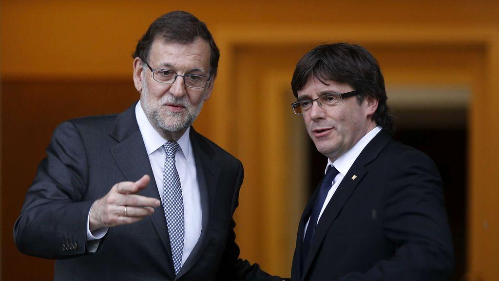 """Puigdemont pide por carta a Rajoy """"el inicio de negociaciones"""" sobre el referéndum"""