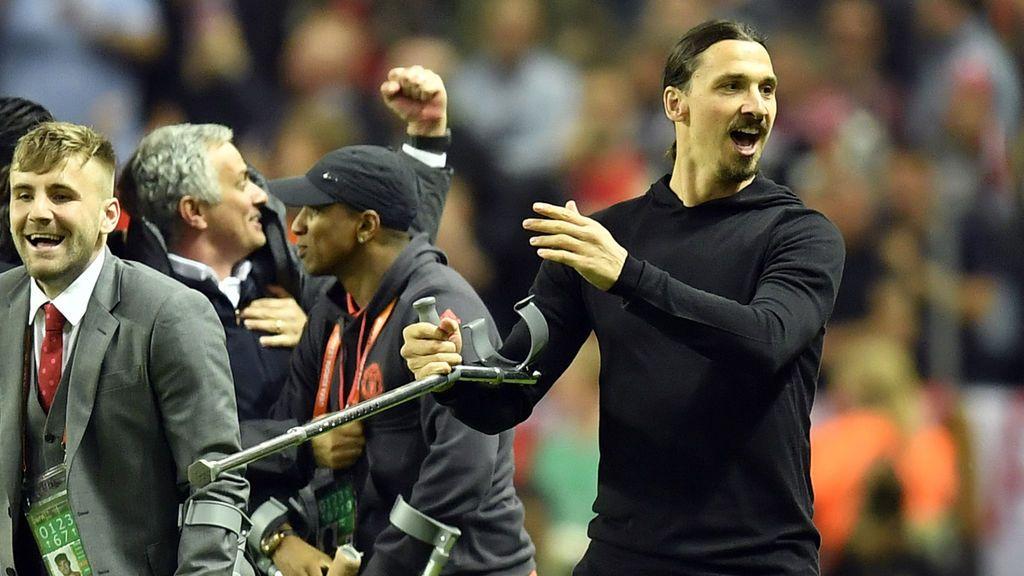"""La oferta más subida de tono de un aficionado del United para que Ibrahimovic se quede: """"Puedes *** a mi esposa"""""""