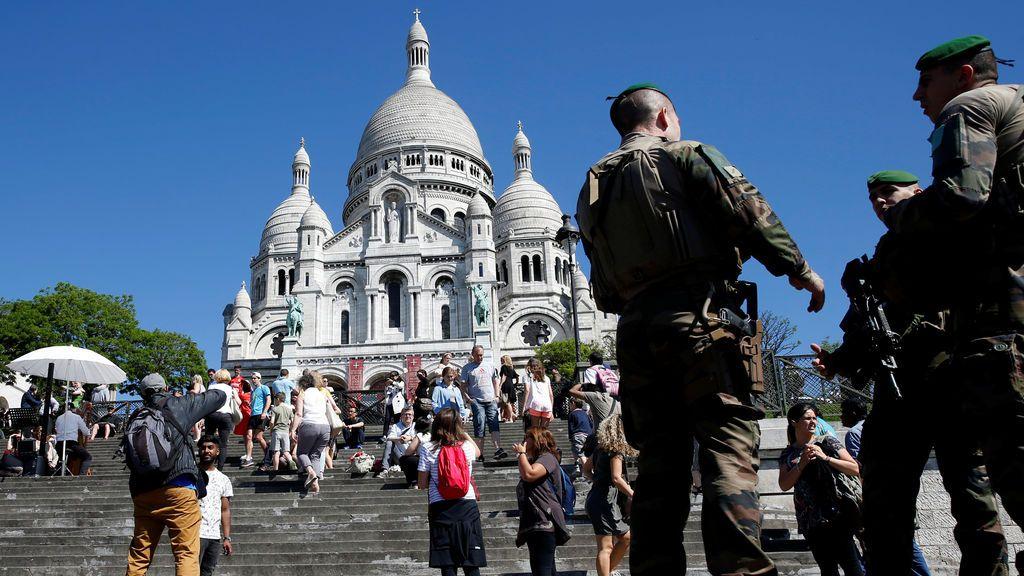 El Ejército en las calles de París