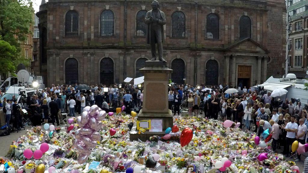 Homenajes a las víctimas del atentado en Manchester