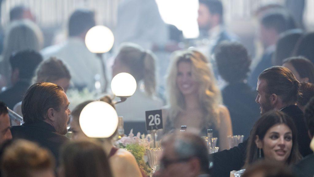 DiCaprio y Beckham compartieron conversación y mesa durante la gala