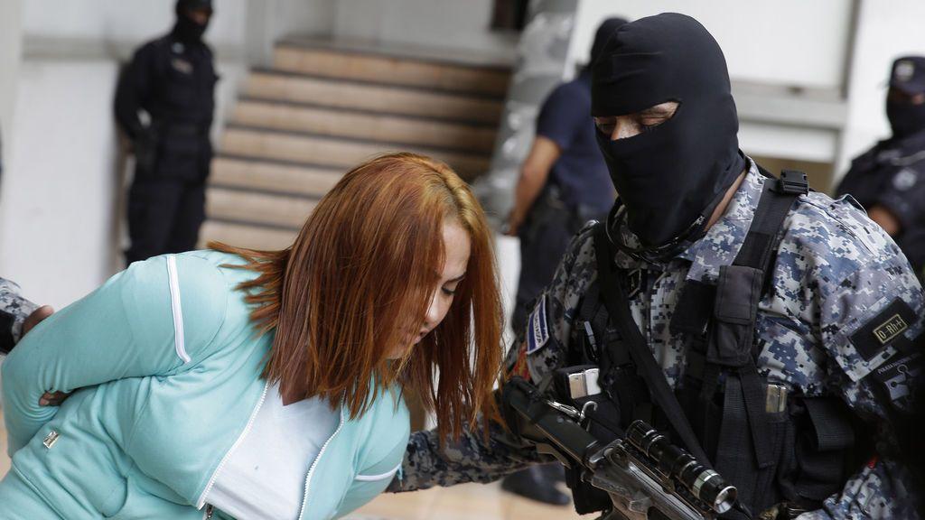 Detenida 'La patrona', una jefa de los sicarios en El Salvador