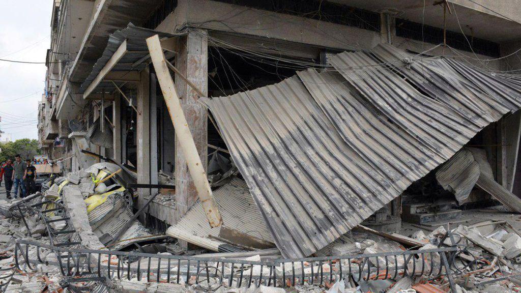 Los ataques de la colación en Al Mayadín, Siria, dejan  106 muertos, 42 de ellos niños