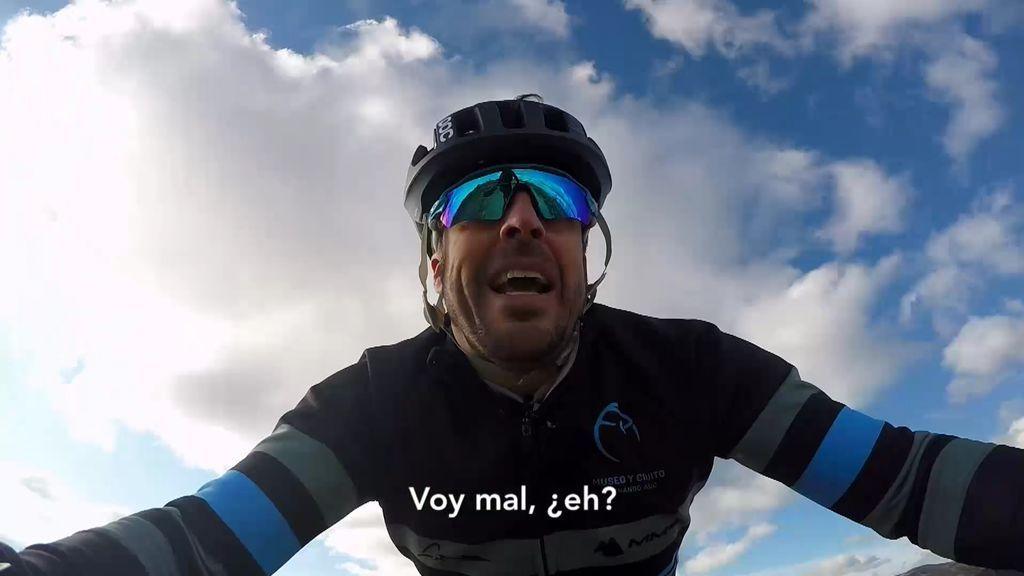 ¡Primera prueba superada! Fernando Alonso sobrevive a cincuenta duros kilómetros en bicicleta