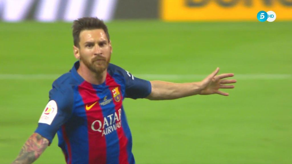 ¡El rey de las finales lo vuelve a hacer! Messi marca un golazo para adelantar al Barça (1-0)