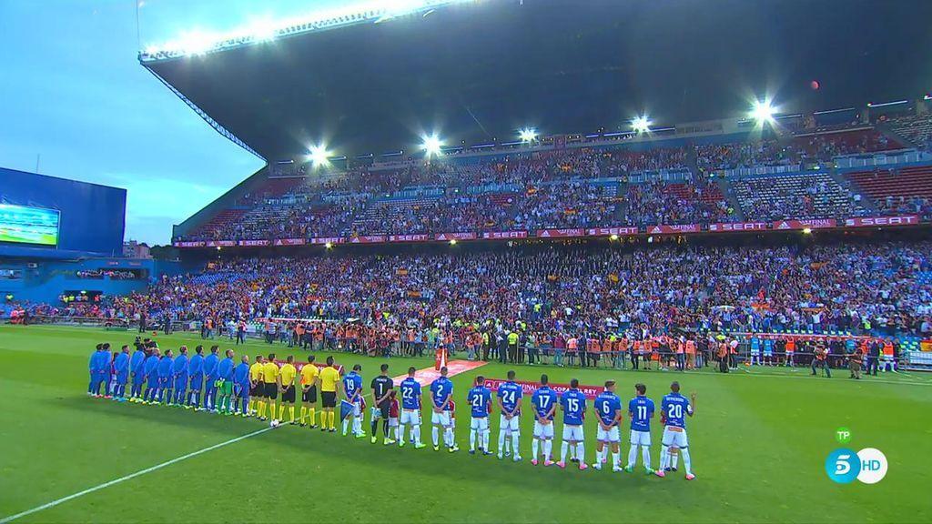 Así ha sonado el himno de España en la Final de Copa entre el Barça y el Alavés