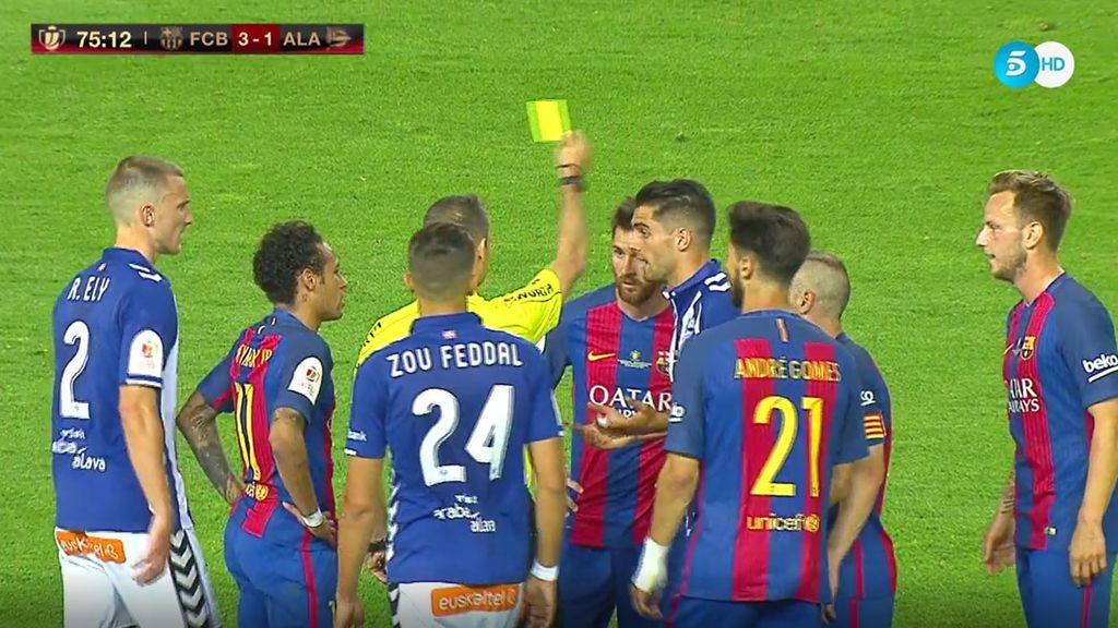 Tangana entre jugadores de Barça y Alavés tras un penalti no pitado sobre Neymar