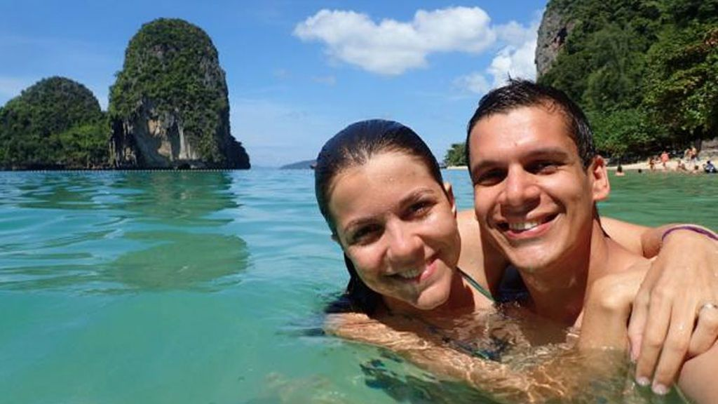 Cambiaron la fiesta de boda por un viaje por 21 países