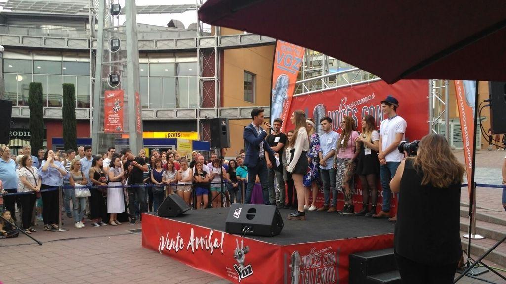'Gana con tu voz' en el Centro Comercial TresAguas (Madrid
