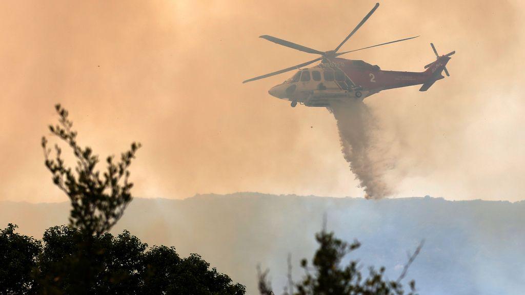 Lucha contra el fuego en California
