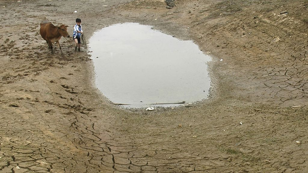 En China, embalses como el de la foto se secan por los fenómenos extremos como sequías