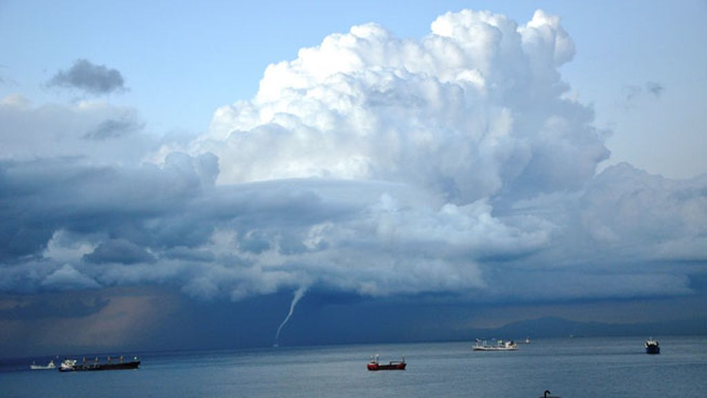 Tornados y mangas marinas