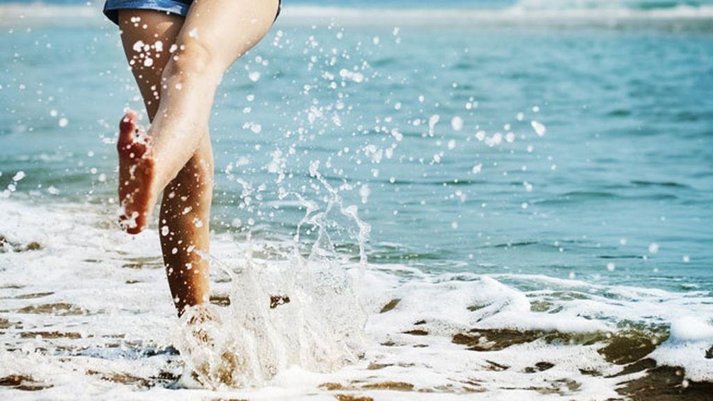 ¿Es cierto que si te duchas con agua fría puedes evitar cogerte un resfriado?