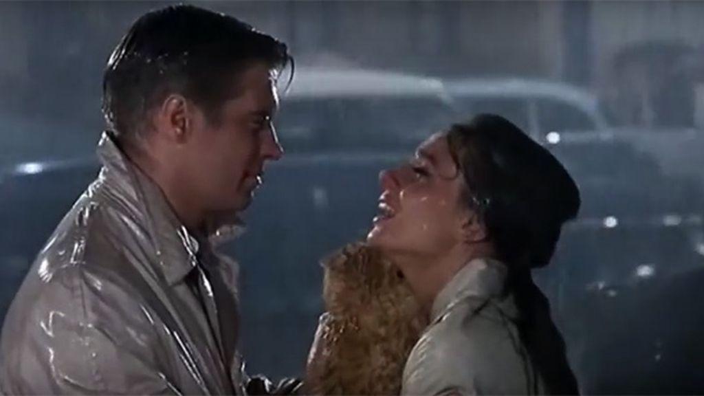 Declararte bajo la lluvia, como Holly y Paul en 'Desayuno con diamantes'