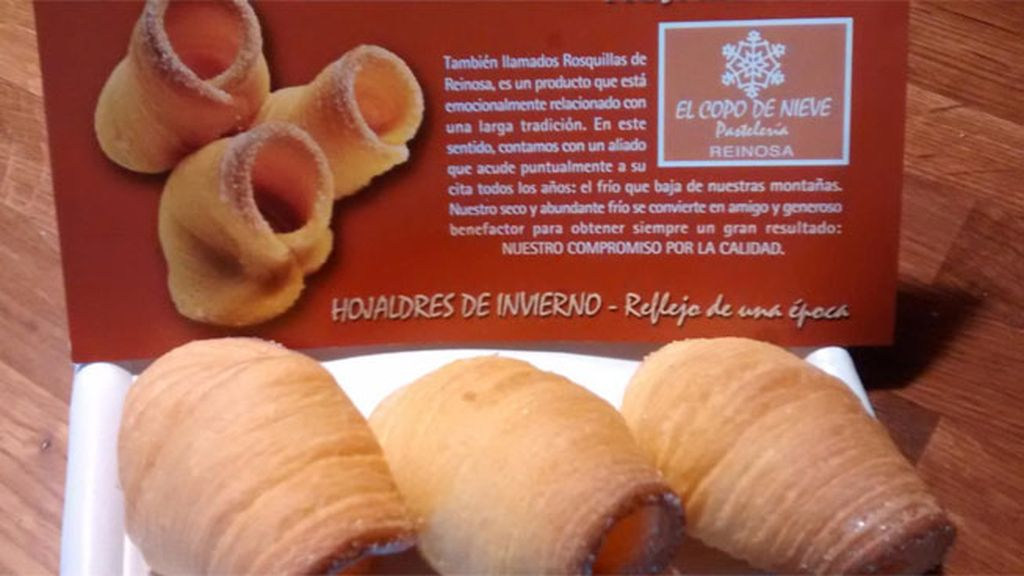 Merienda un dulce 'meteo' en la pastelería 'Copo de Nieve' en Reinosa