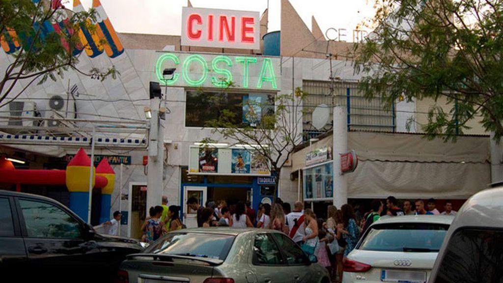 Cines Costa, un clásico de la noche alicantina