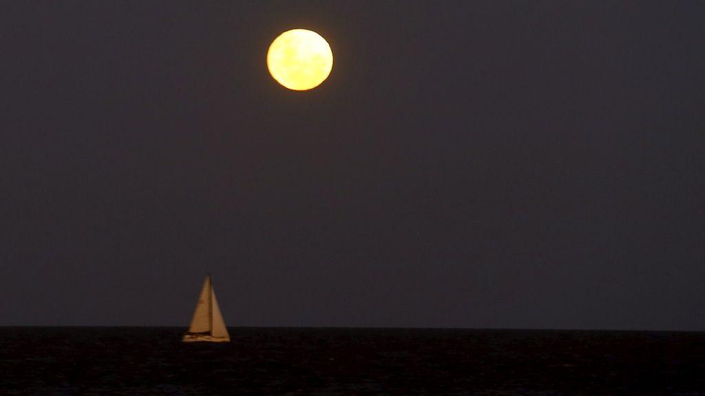Luna amarilla y aguada pronostica una mojada.