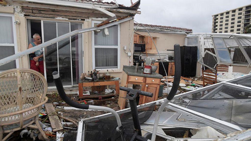 'Matthew' se reduce a ciclón postropical y podría desaparecer en las próximas 24 horas