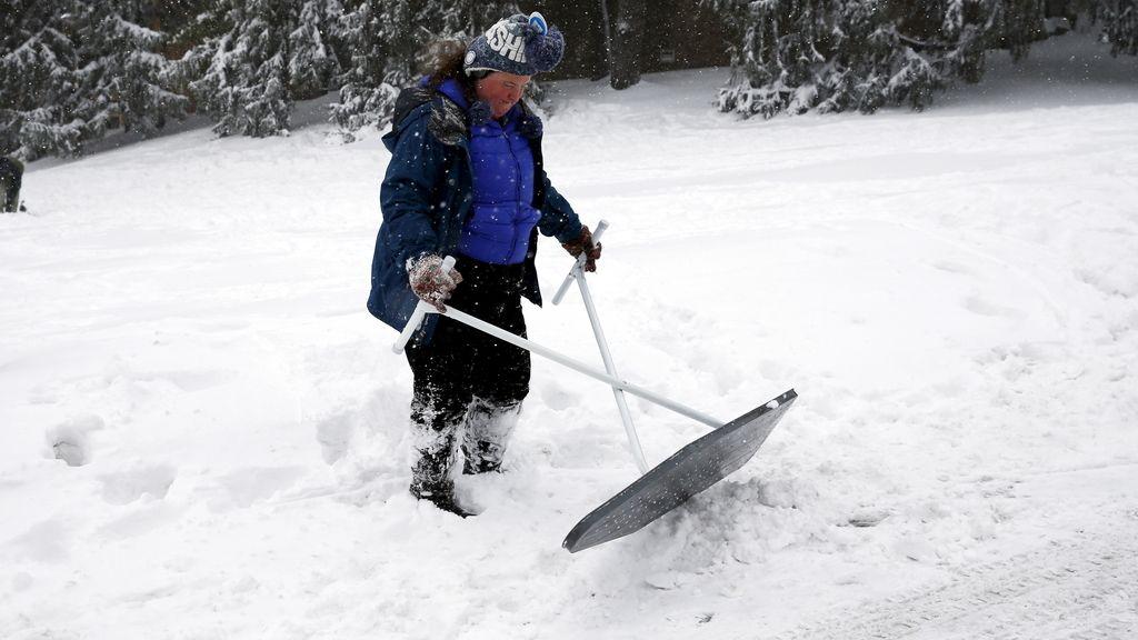 La moda del #SnowChallenge: nadar en la nieve