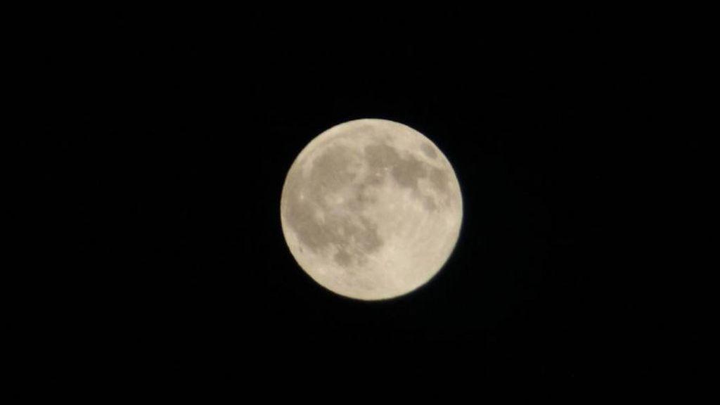 @Farbala986 ha capturado la luna desde Barcelona (Cataluña)