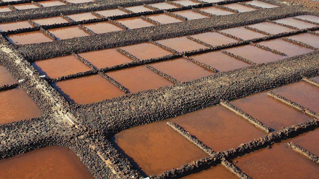 Tabletas de chocolate gigantes o piscinas de sal, 'Las Salinas', en La Palma (Islas Canarias)