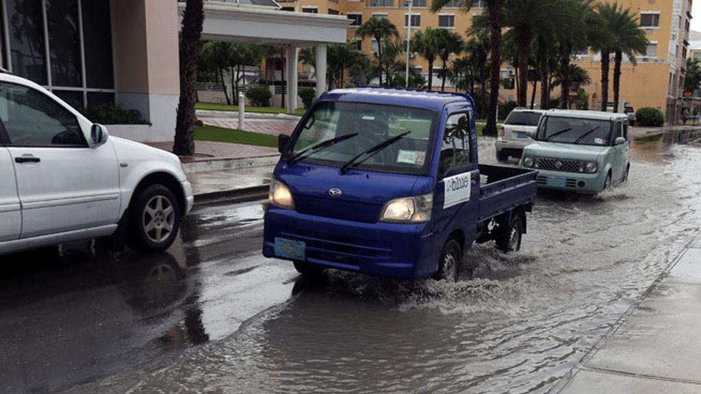 Florida se prepara para 'Matthew': Casi dos millones de personas podrían ser evacuadas
