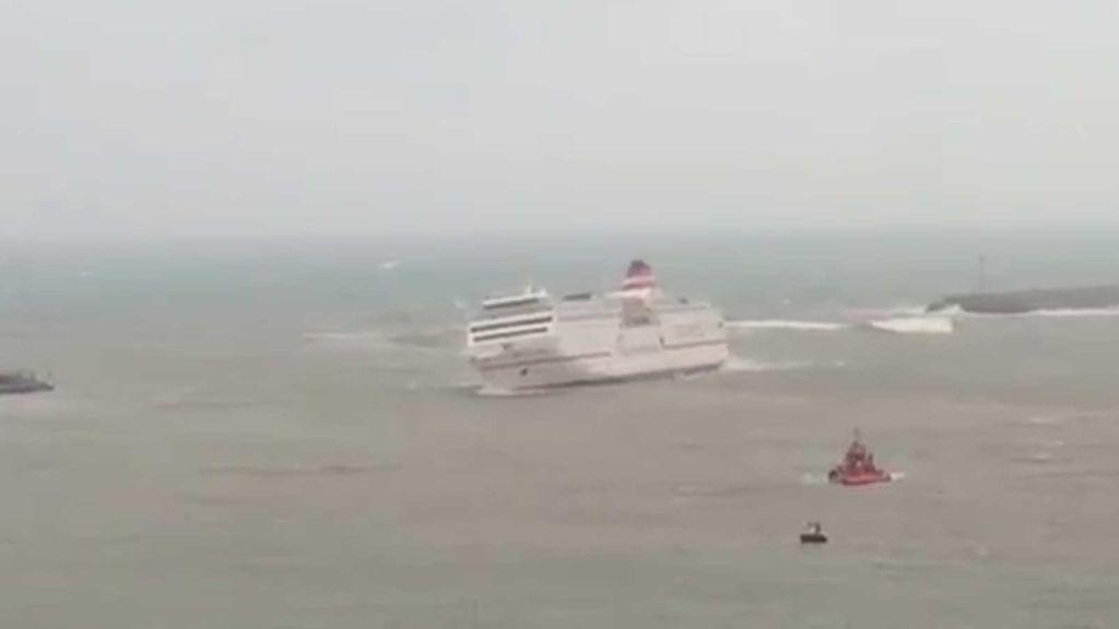 ferry que vuelca