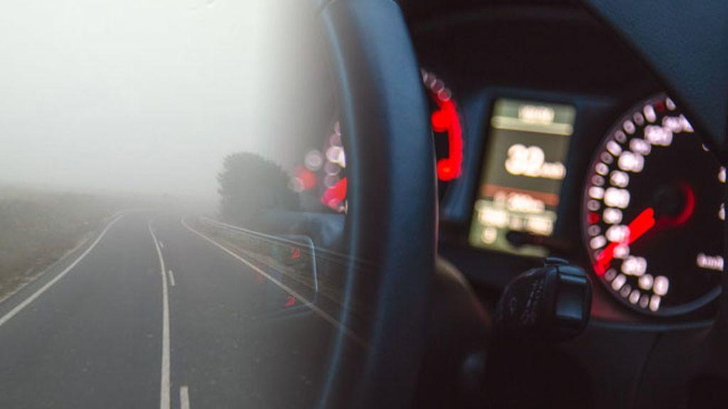 coche niebla
