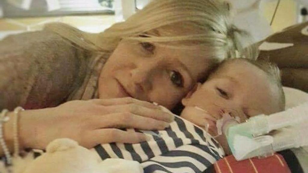 Fallan quitarle el soporte vital a un bebé en contra de la voluntad de sus padres