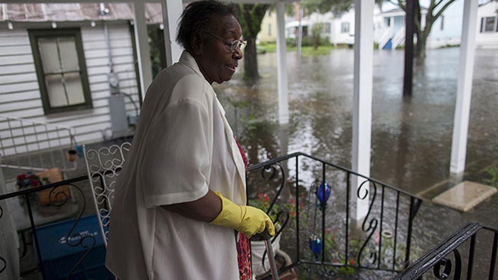 Muchas personas, atrapadas en sus casas en Carolina del Sur