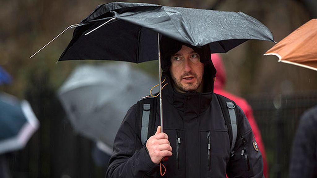 Paraguas con varillas rotas para los más pasotas