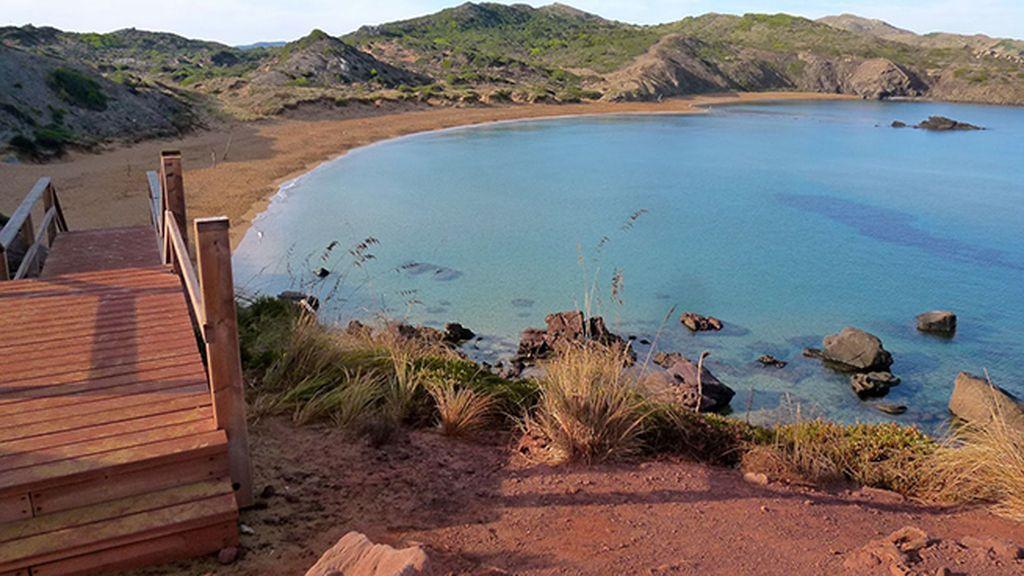 Cavalleria: barros de las rocas rojas de Menorca