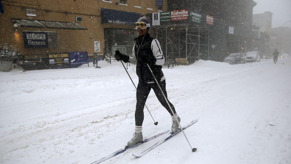 La moda del #SnowChallenge: nadar en la nieve y otras ocurrencias