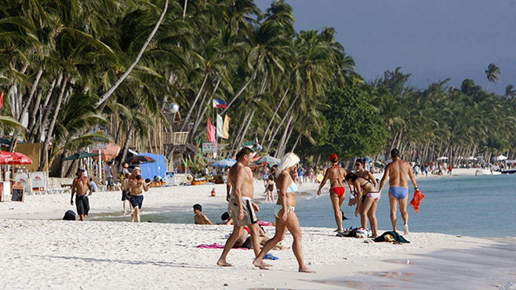 White Beach, la playa de Boracay más famosa de Filipinas