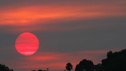 Red Summer Llega La época De Los Atardeceres Y Amaneceres Rojos
