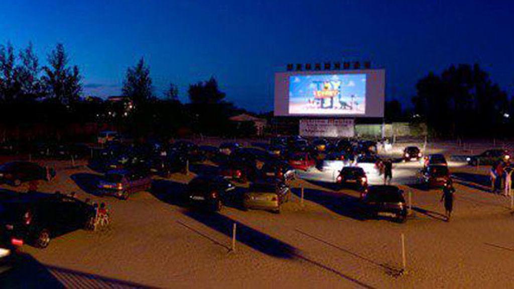 La pantalla más grande de Europa, en el Autocine Drive-in de Denia
