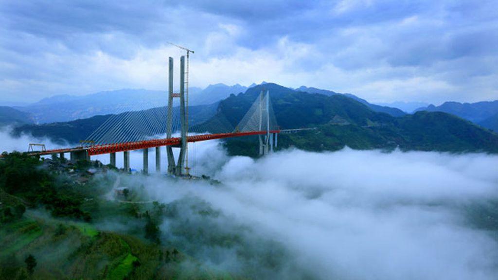 Beipanjiang, con 565 metros de altura se convierte en el puente más alto del mundo