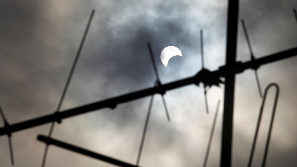 Eclipse REUTERS 2