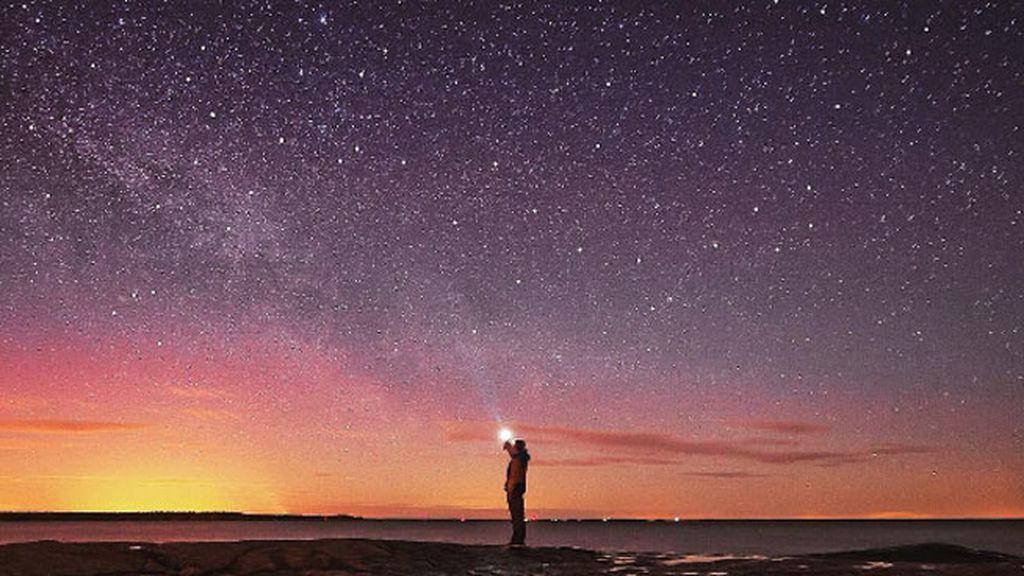 'Explorando bajo las estrellas'