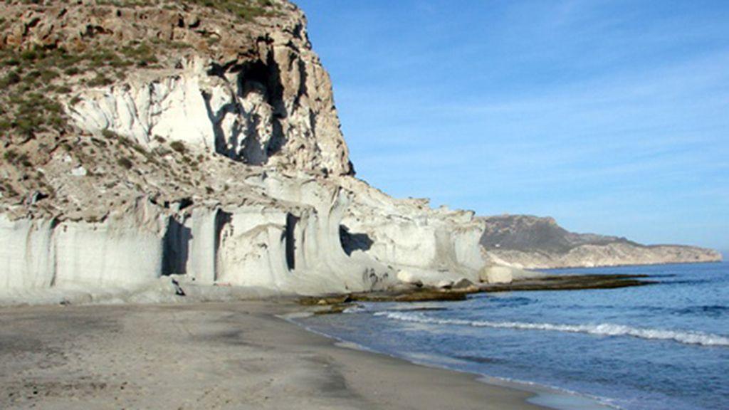 Cala de San Pedro: el barro medicinal del Cabo de Gata
