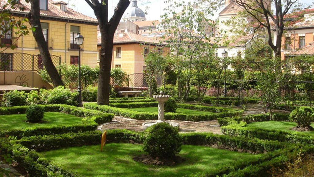 En La Latina se esconde el jardín del Príncipe de Anglona