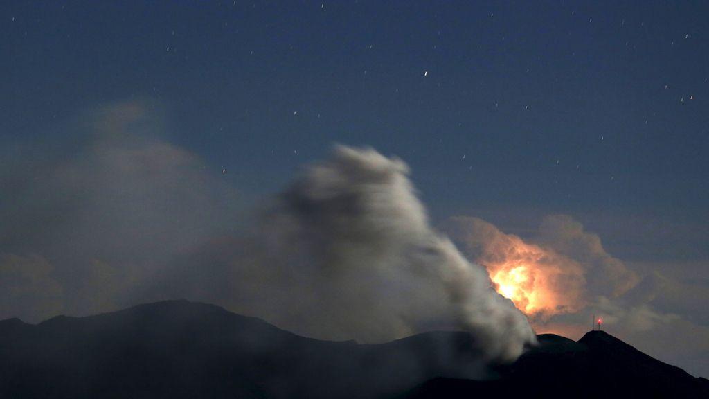 Septiembre, octubre y noviembre, gran período volcánico (Volcán Iturrialba, Costa Rica)