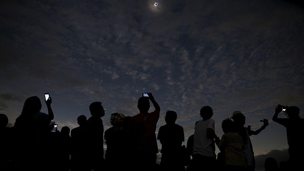 La Luna se interpuso entre el Sol y la Tierra