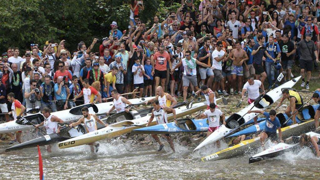 'Las Piraguës' se echan al río