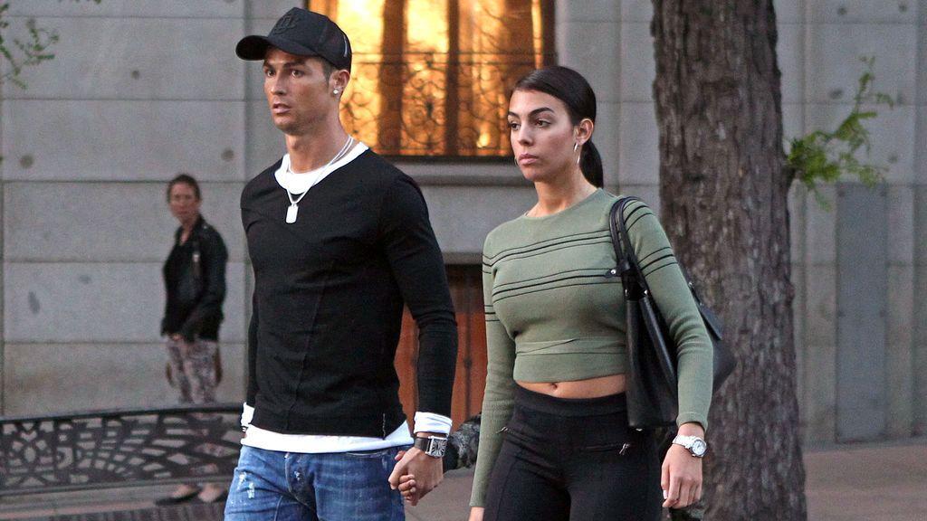 ¡La foto! En Italia dan por confirmado que Cristiano y Georgina 'están embarazados' y esperan gemelos