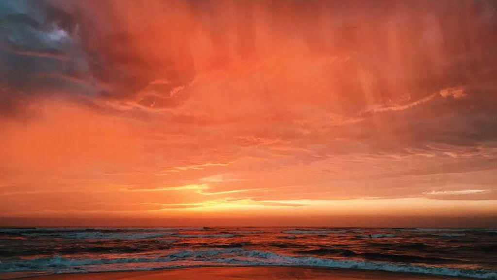 Nubes rojizas y anaranjadas